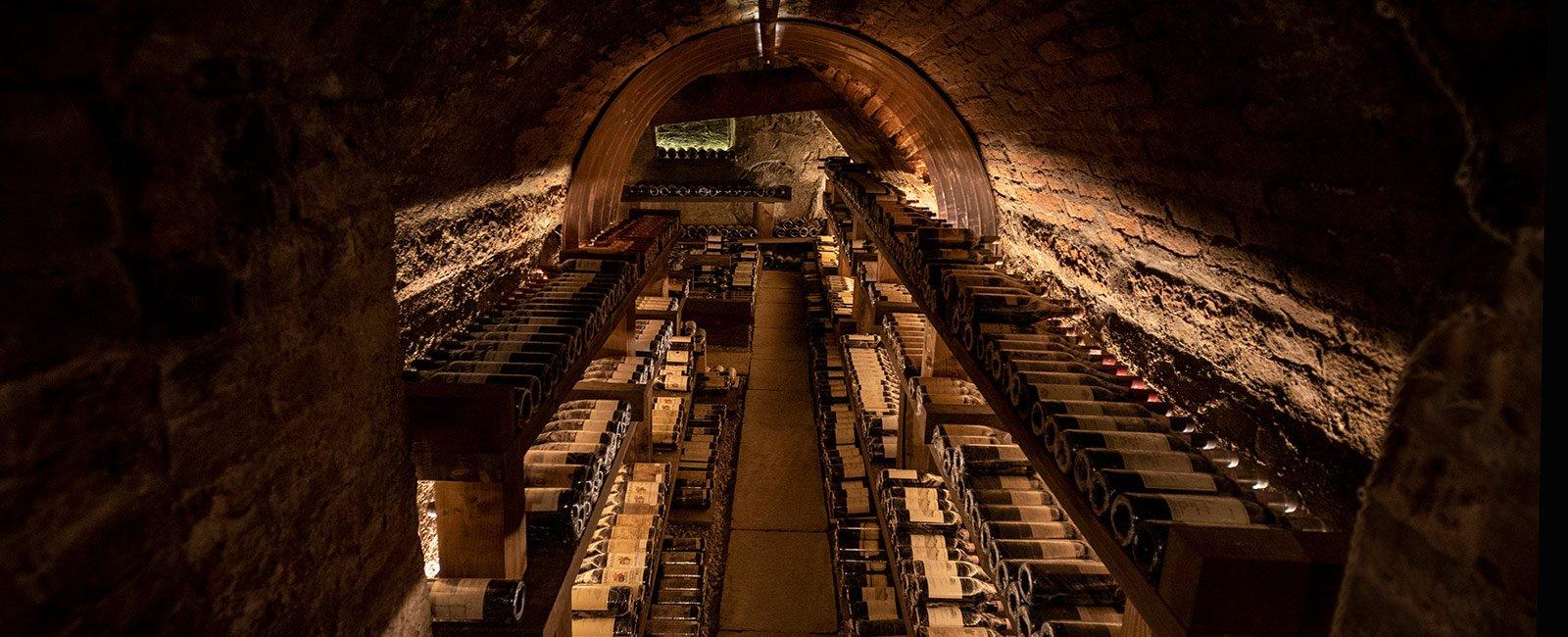 Cantina e carta dei vini - Ristorante Il Centro di Priocca